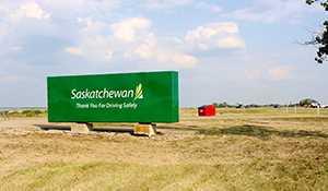 Saskatchewan Highways fixes up welcome sign site