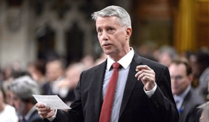 Andrew Leslie to be witness for Mark Norman