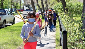 MacLeod students clean up Cenotaph Park